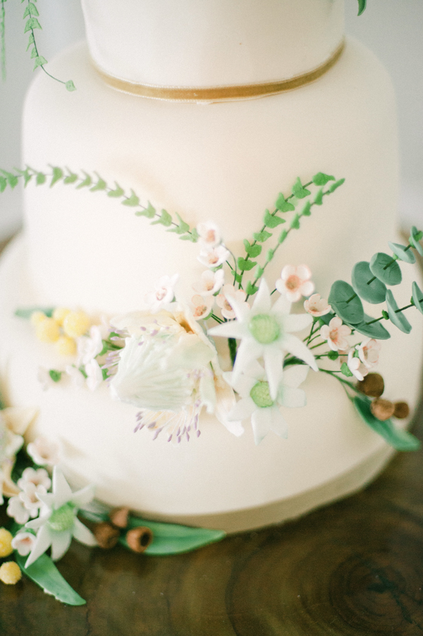 Beach Wedding Cake in Neutral Colours