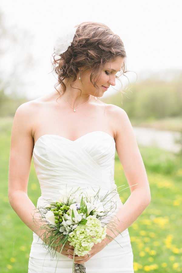 Rustic Bride in Ontario