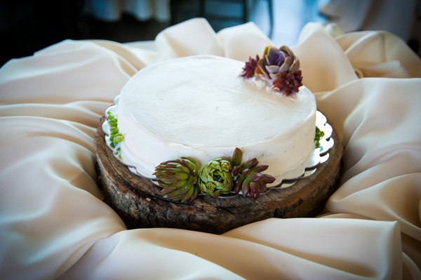 Eco Friendly Wedding Cake | Love Wed Bliss