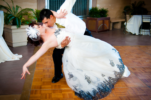 Las Vegas Wedding First Dance | Love Wed Bliss