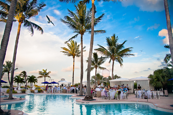 Hawkes Cay Resort Outdoor Wedding Reception | Love Wed Bliss