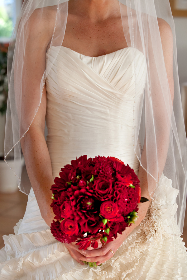 Red and White Bridal Style