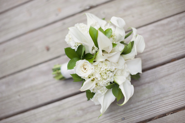small white wedding bouquet