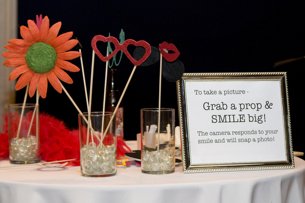 Cute Wedding Booth Props Sign