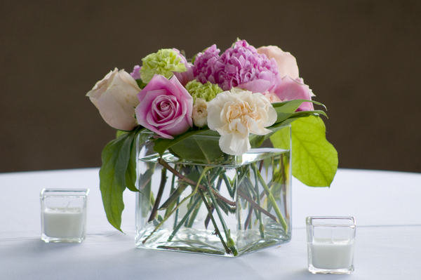 Elegant Pink & White Table Centerpieces