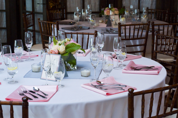 elegant silver and pink wedding tables Elegant Silver and Pink Wedding at Villa Parker