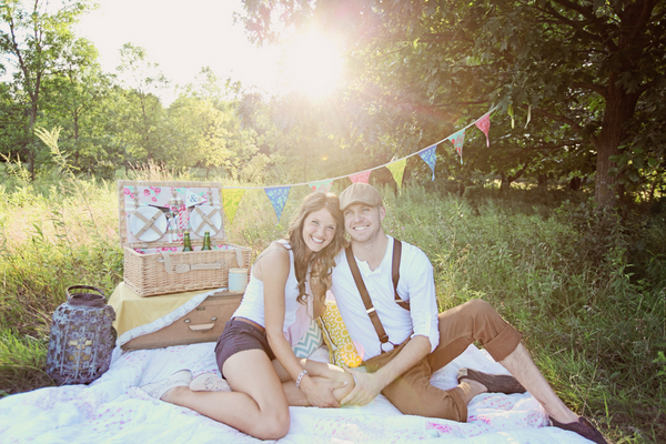 Minnesota Picnic Engagement Session
