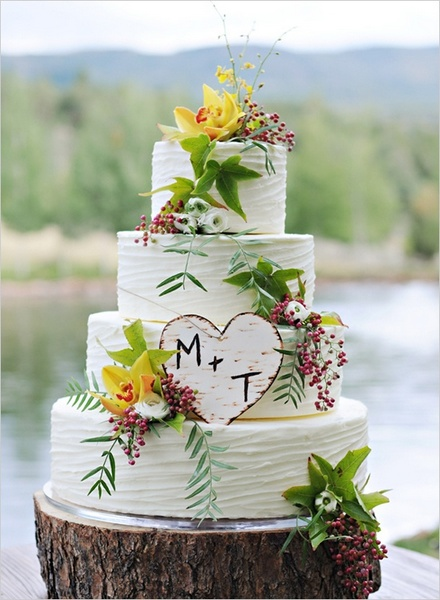 Example of a Rustic Wedding Cake