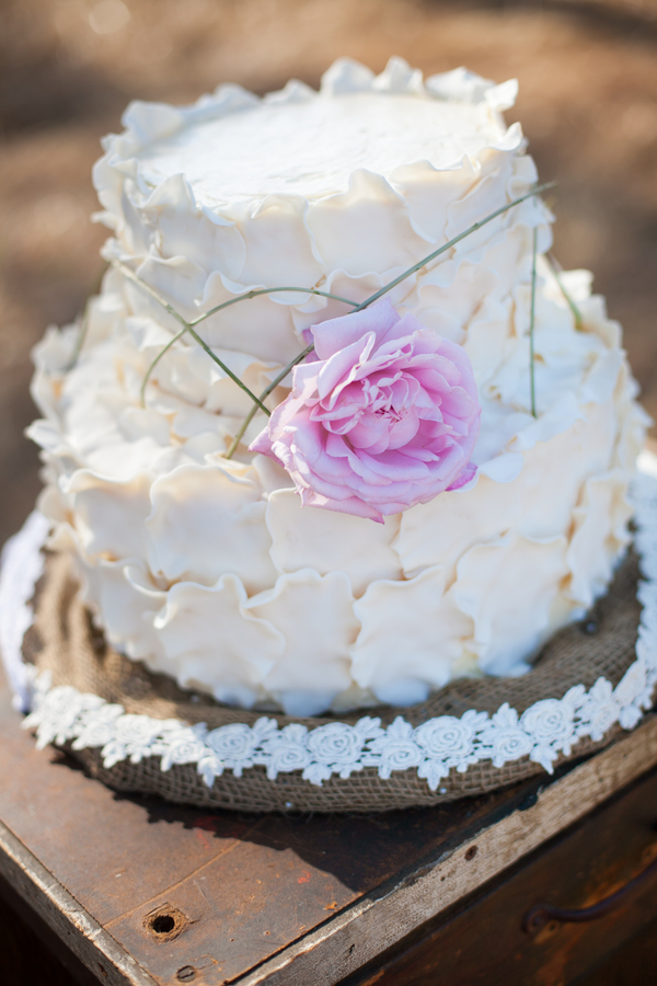 Boho Chic Wedding Cake | Love Wed Bliss